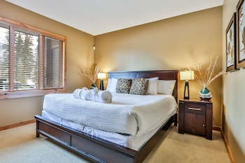 104 RCL One Bedroom King Suite