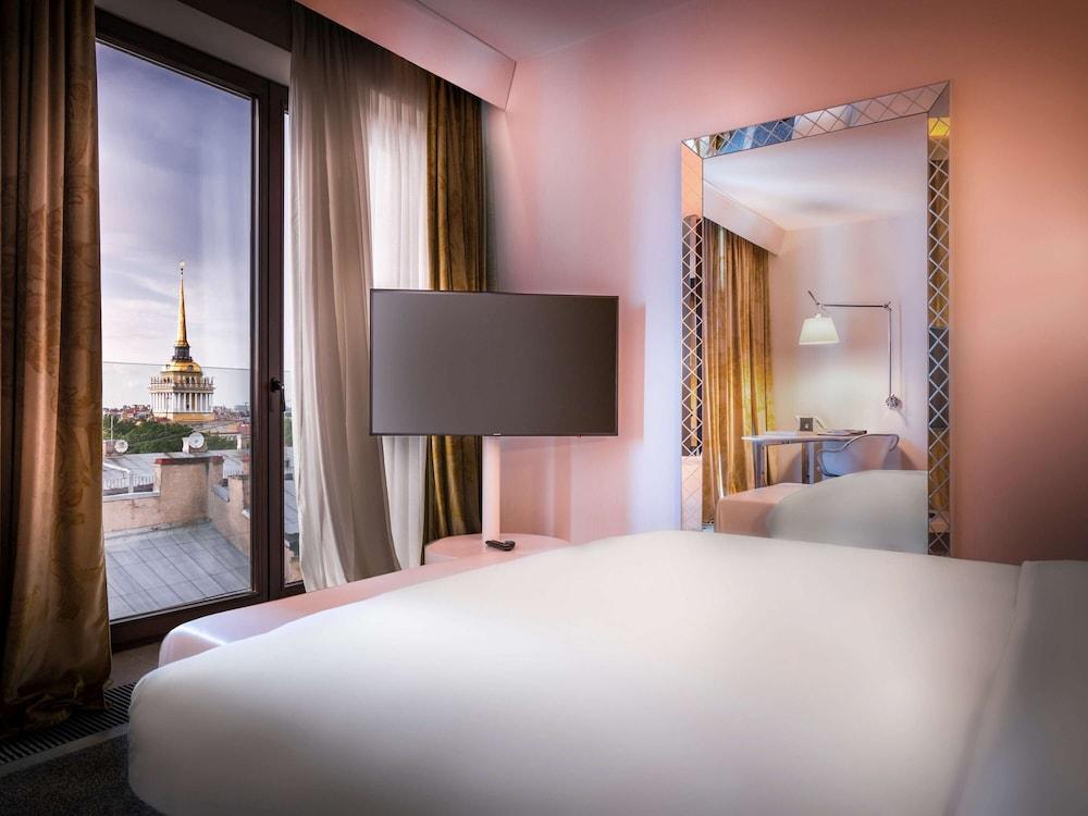 https://i.travelapi.com/hotels/4000000/3030000/3022500/3022462/0a573692_z.jpg