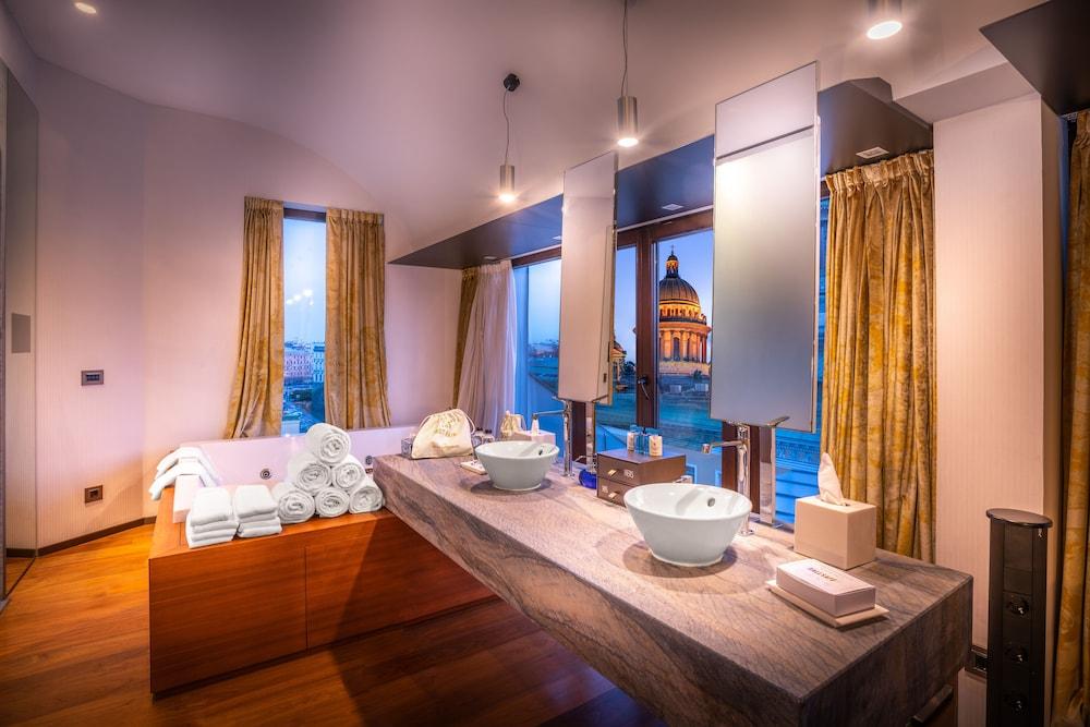 https://i.travelapi.com/hotels/4000000/3030000/3022500/3022462/19ab4202_z.jpg