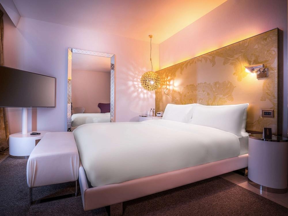 https://i.travelapi.com/hotels/4000000/3030000/3022500/3022462/66c27c67_z.jpg