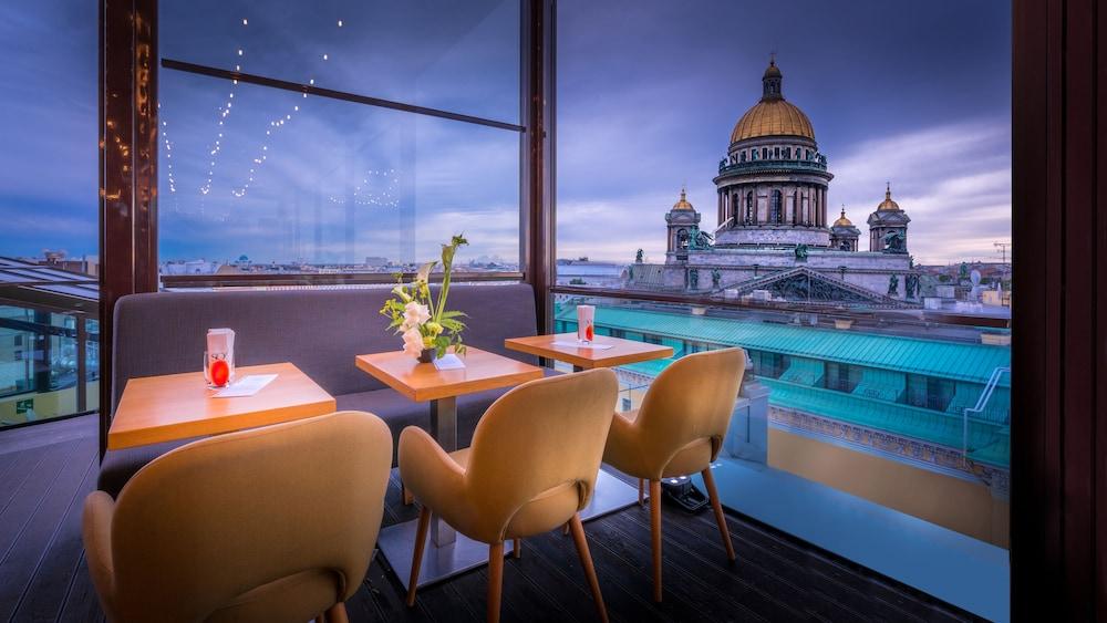 https://i.travelapi.com/hotels/4000000/3030000/3022500/3022462/6c6d44de_z.jpg