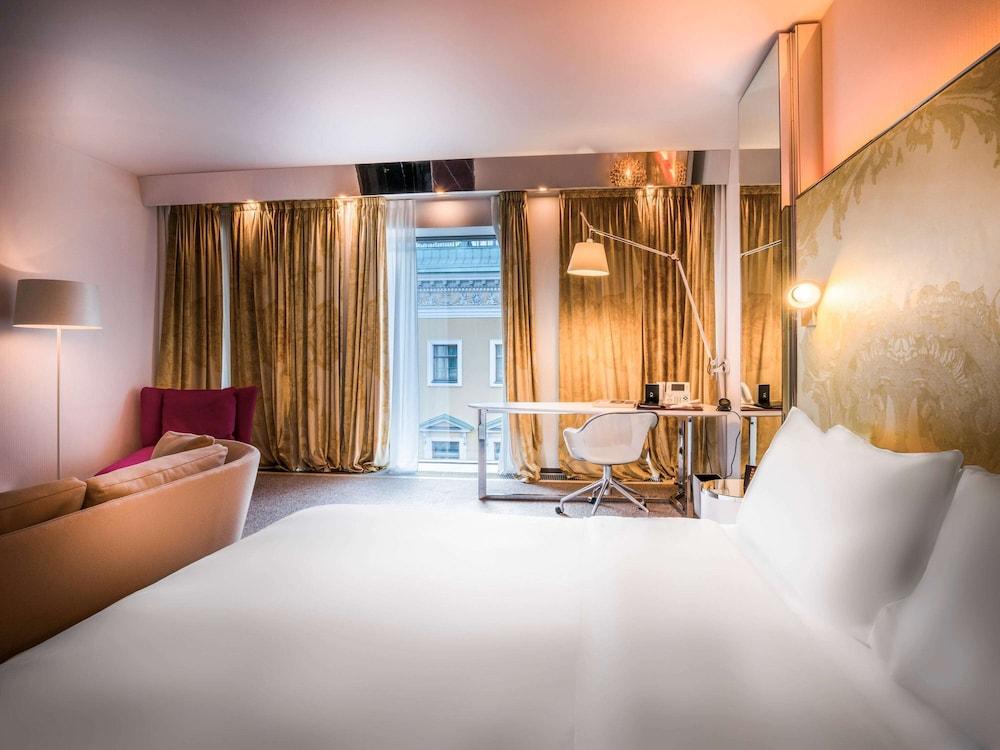 https://i.travelapi.com/hotels/4000000/3030000/3022500/3022462/cbe0f6d4_z.jpg