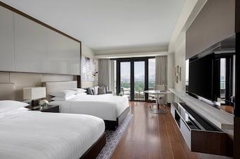 Premium Room, 2 Double Beds, Non Smoking, Balcony (Executive Lounge Access)