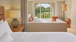 Superior Room, 1 King Bed With Sofa Bed, Garden View