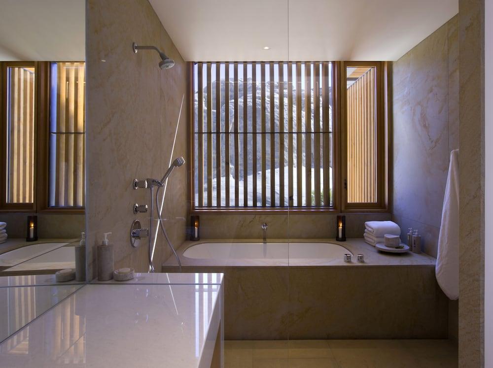 https://i.travelapi.com/hotels/4000000/3030000/3025100/3025100/41e730cd_z.jpg