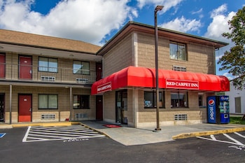 Hotel - Red Carpet Inn Norwalk