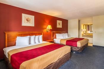 Room, 2 King Beds, Smoking