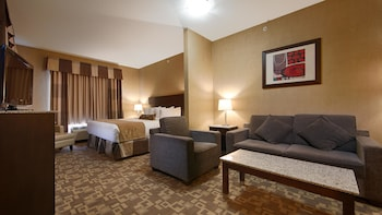 Business Suite, 1 King Bed with Sofa bed, Non Smoking, Refrigerator & Microwave (with Sofabed)