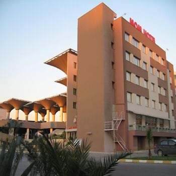 Hotel - MOM Hotel