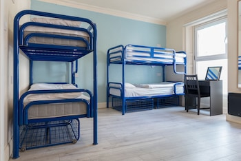 1bed in 6-bed female dormitory ensuite