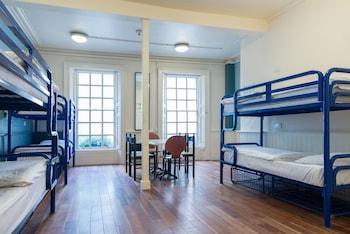 1bed in 10 bed mixed dormitory ensuite