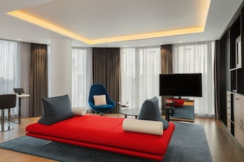 Suite, 1 King Bed (Supreme WOW)
