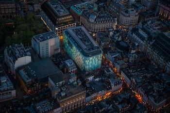 W ロンドン