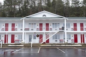 Hotel - Bay Inn of Petoskey