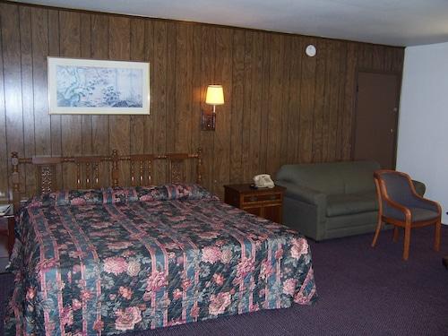 . Townsman Motel
