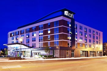 Hotel - Aloft Milwaukee Downtown