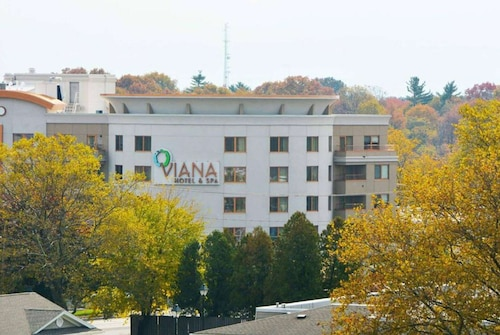 . Viana Hotel and Spa, Trademark Collection by Wyndham