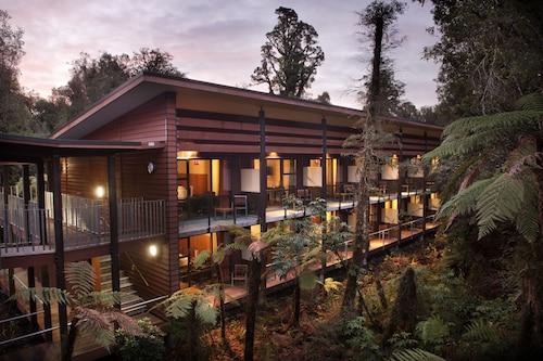 Te Waonui Forest Retreat, Westland
