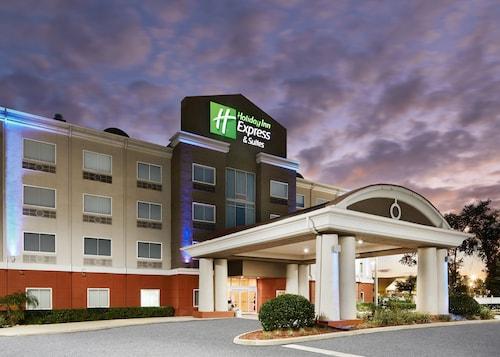 . Holiday Inn Express Palatka Northwest