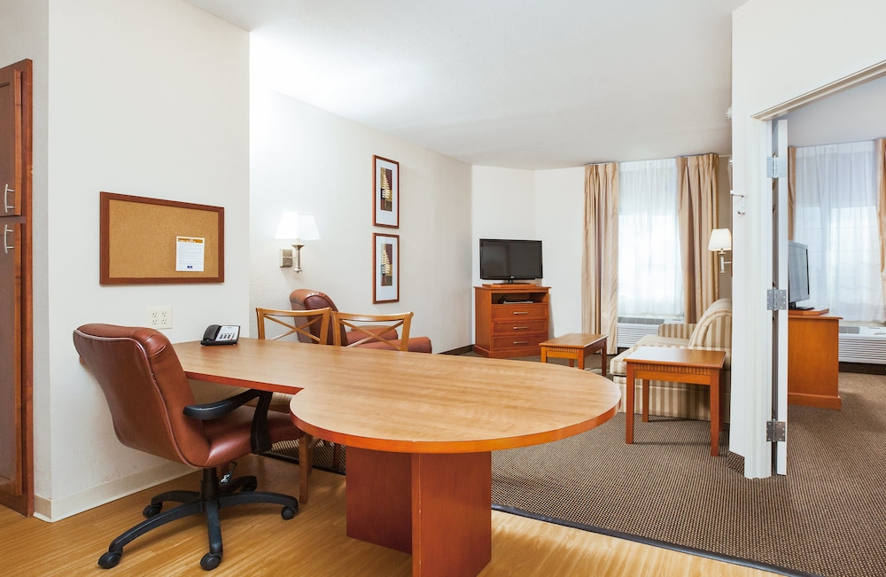 Studio Suite, 2 Queen Beds, Accessible, Non Smoking (Roll-In Shower)