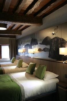 Quadruple Room, Multiple Beds (Mouton Blanc)