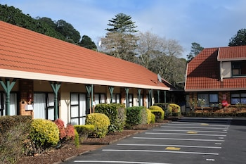 Hotel - Tudor Court Motor Lodge