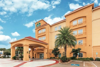 Hotel - La Quinta Inn & Suites by Wyndham Houston Bush Intl Airpt E