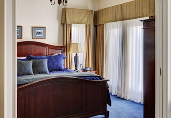 Premium Suite, 1 King Bed