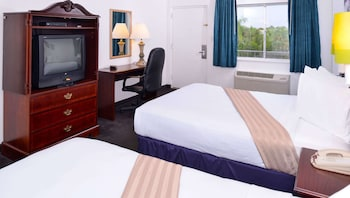 Room, 2 Double Beds, Refrigerator & Microwave (Nonsmoking)