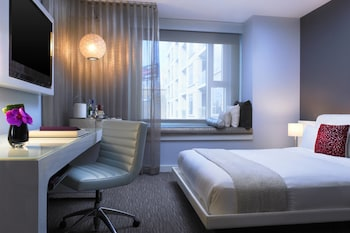 Spectacular Room, Room, 2 Queen Beds, Non Smoking