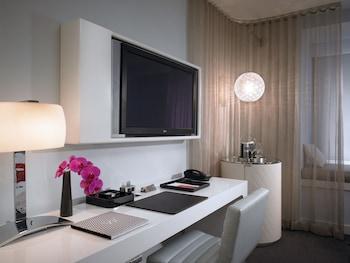 Fabulous Room, 2 Queen Beds, City View