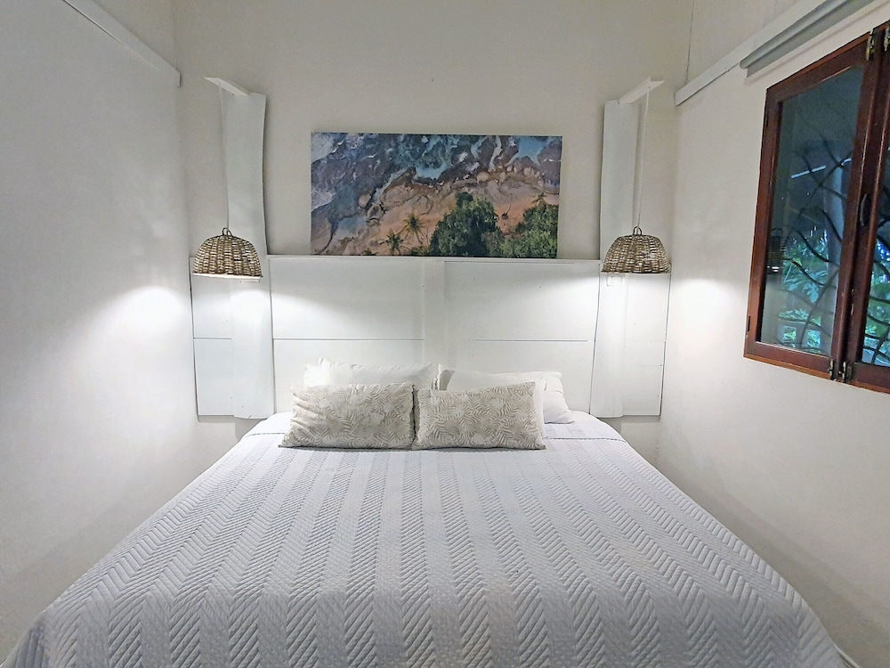 https://i.travelapi.com/hotels/4000000/3090000/3088100/3088090/035aa7c6_z.jpg