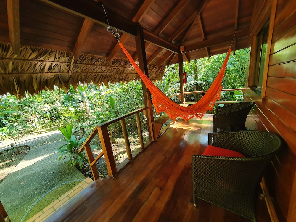 https://i.travelapi.com/hotels/4000000/3090000/3088100/3088090/9769cc8d_z.jpg