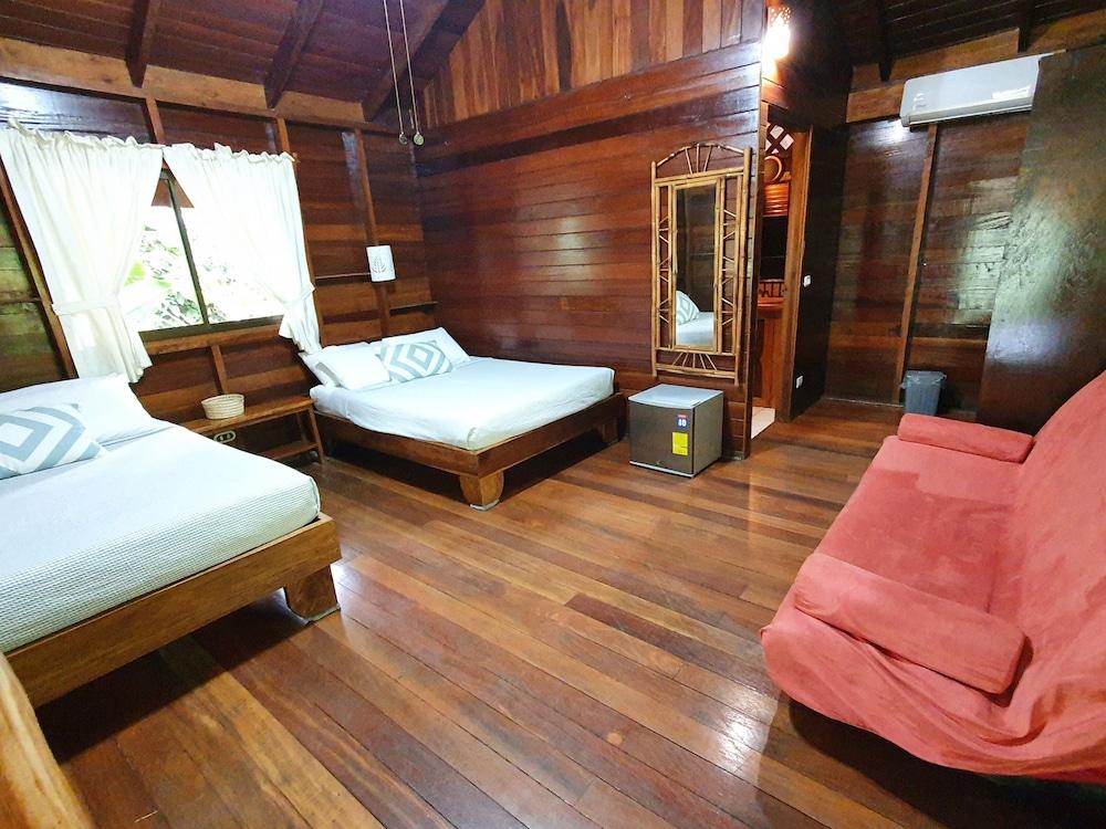 https://i.travelapi.com/hotels/4000000/3090000/3088100/3088090/9efbdead_z.jpg