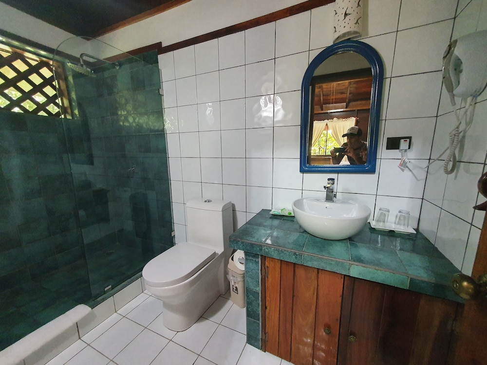 https://i.travelapi.com/hotels/4000000/3090000/3088100/3088090/cf11101a_z.jpg