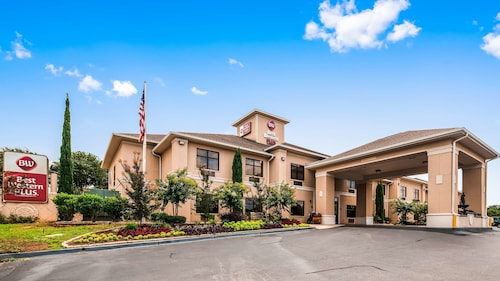 . Best Western Plus Circle Inn