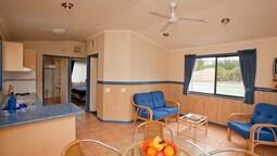 Superior 2 Bedroom Cabin