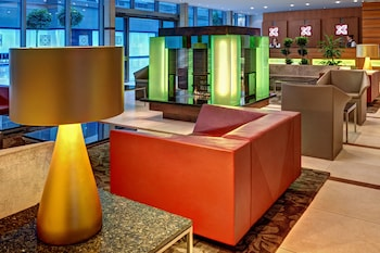 Hilton Garden Inn Frankfurt Airport - Lobby Sitting Area