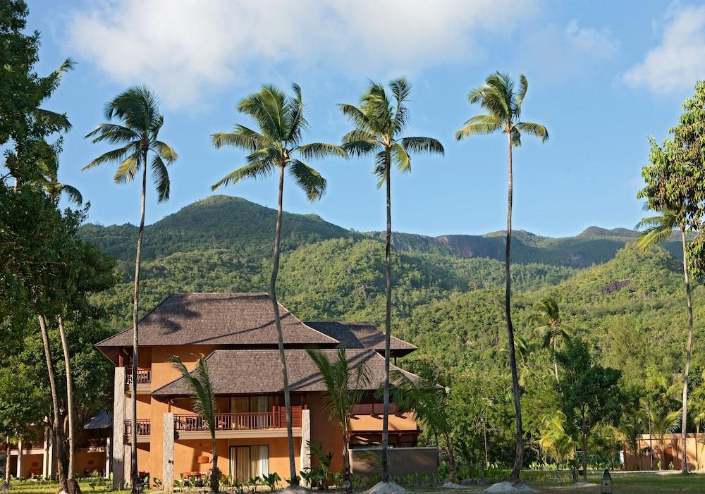 https://i.travelapi.com/hotels/4000000/3120000/3111100/3111005/16274e6b_z.jpg