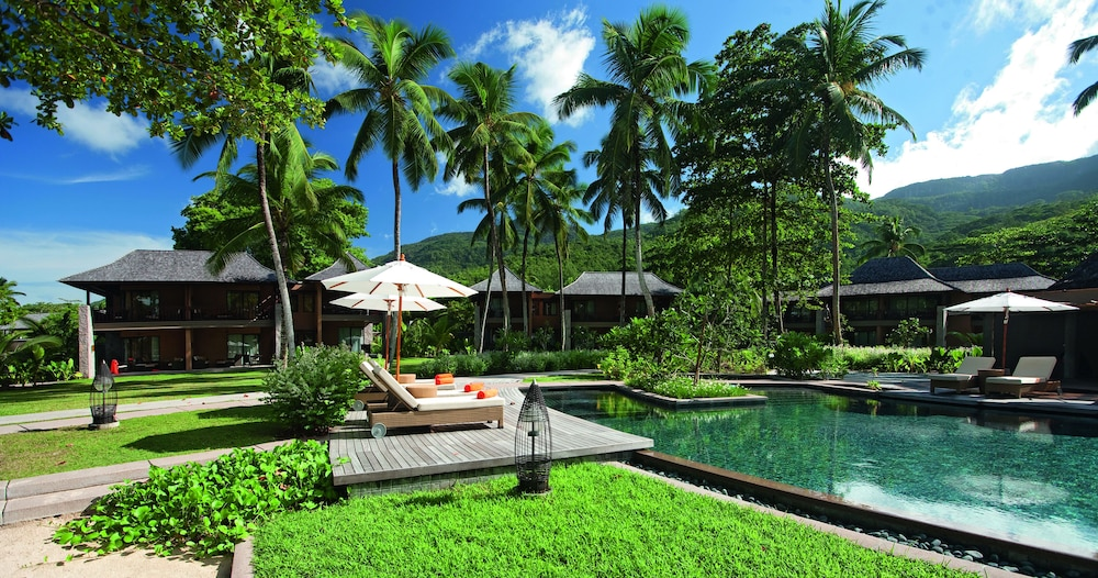 https://i.travelapi.com/hotels/4000000/3120000/3111100/3111005/21909f6f_z.jpg