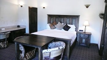 Hotel - Rustic Creek Ranch Resort