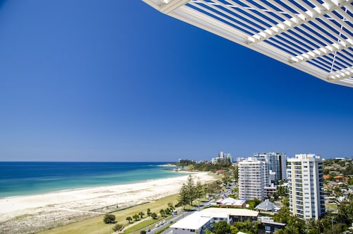 . Kirra Surf Apartments