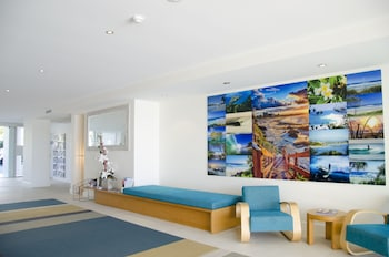 Lobby Sitting Area at Kirra Surf Apartments in Coolangatta