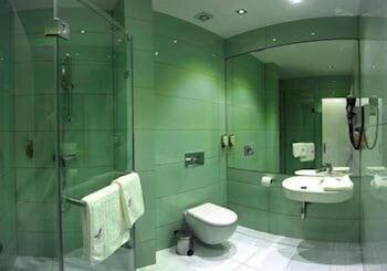 https://i.travelapi.com/hotels/4000000/3130000/3124400/3124331/38e66ee0_b.jpg