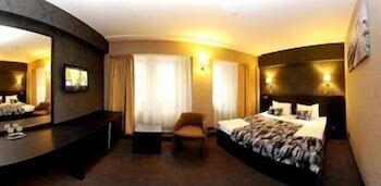 https://i.travelapi.com/hotels/4000000/3130000/3124400/3124331/a3c3b2dc_b.jpg