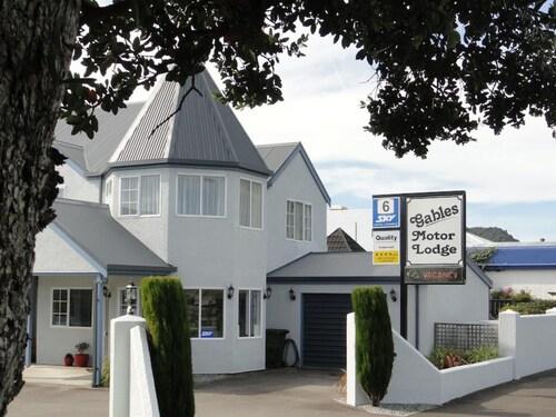 . Gables Motor Lodge