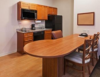 Suite, 1 Bedroom, Non Smoking (1 Queen Bed)