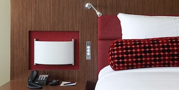 Guestroom at Mercure Sydney Liverpool in Prestons