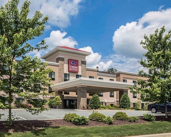 Comfort Suites Whitsett - Greensboro East photo