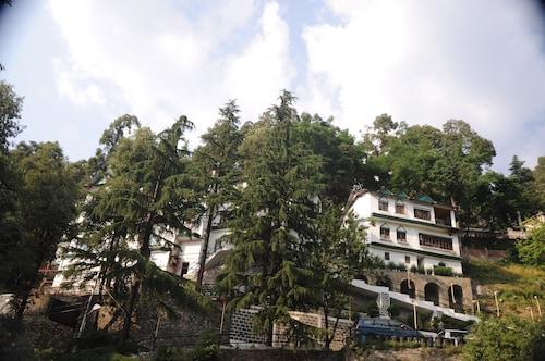 . Lall Ji Tourist Resort